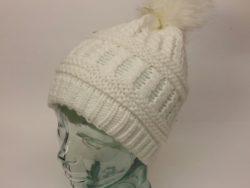 D&Y knit beenie with faux fur pom pom